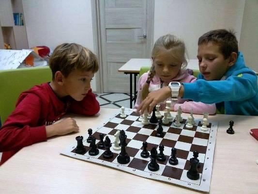 Шахматы для детей и взрослых в Перово в семейном клубе Маняня