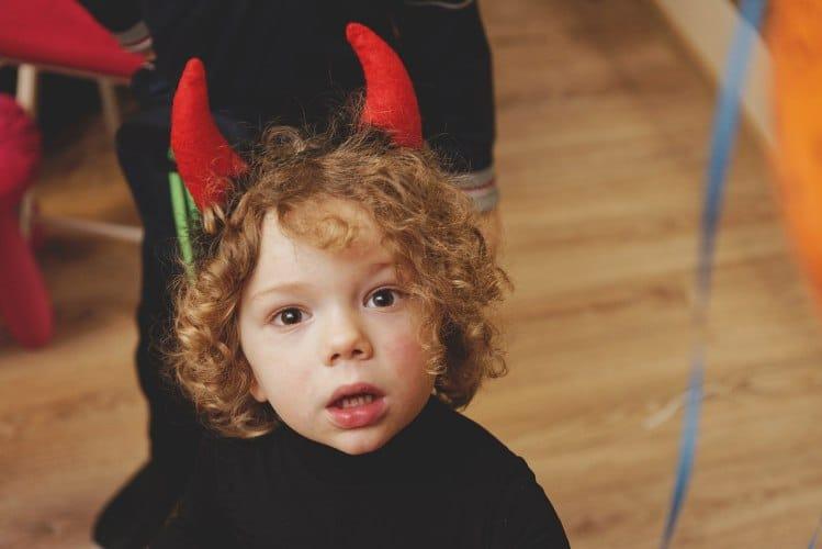 Хэллоуин и мастер классы для детей в семейном клубе Маняня